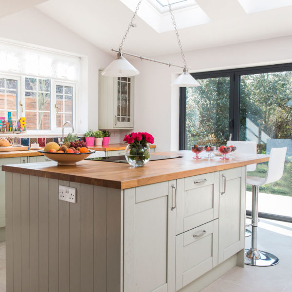 Valverdi Tiles Help Modernise a 1950's Family Home in Buckinghamshire